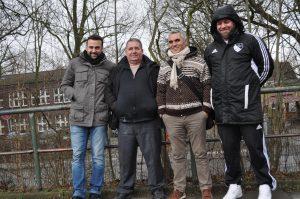 Karşılaşmayı soldan sağa Zonguldakspor2un ligde gol ayağı Kadem Karakuş, Başkan Ahmet Kılıç, UEFA Pro lisanslı antrenör Derya Tuncer Tamer ve şimşeklerin ikinci takımının antrenörü Murat Tekçe beraber izlediler