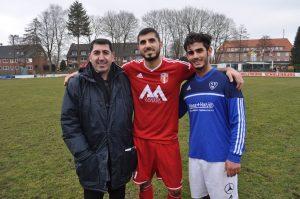 Soldan sağa Hamburg'un sevilen siması Cahit Balat, FC Türkiye'den Umut Koçin ve başarılı futbolcu Yakup Telli