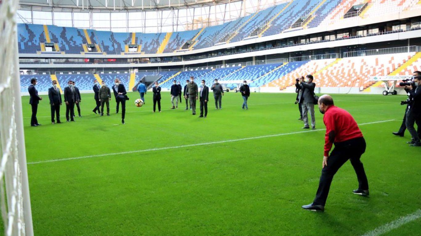 AK Parti Sözcüsü Ömer Çelik'ten Yeni Adana Stadı'nda inceleme