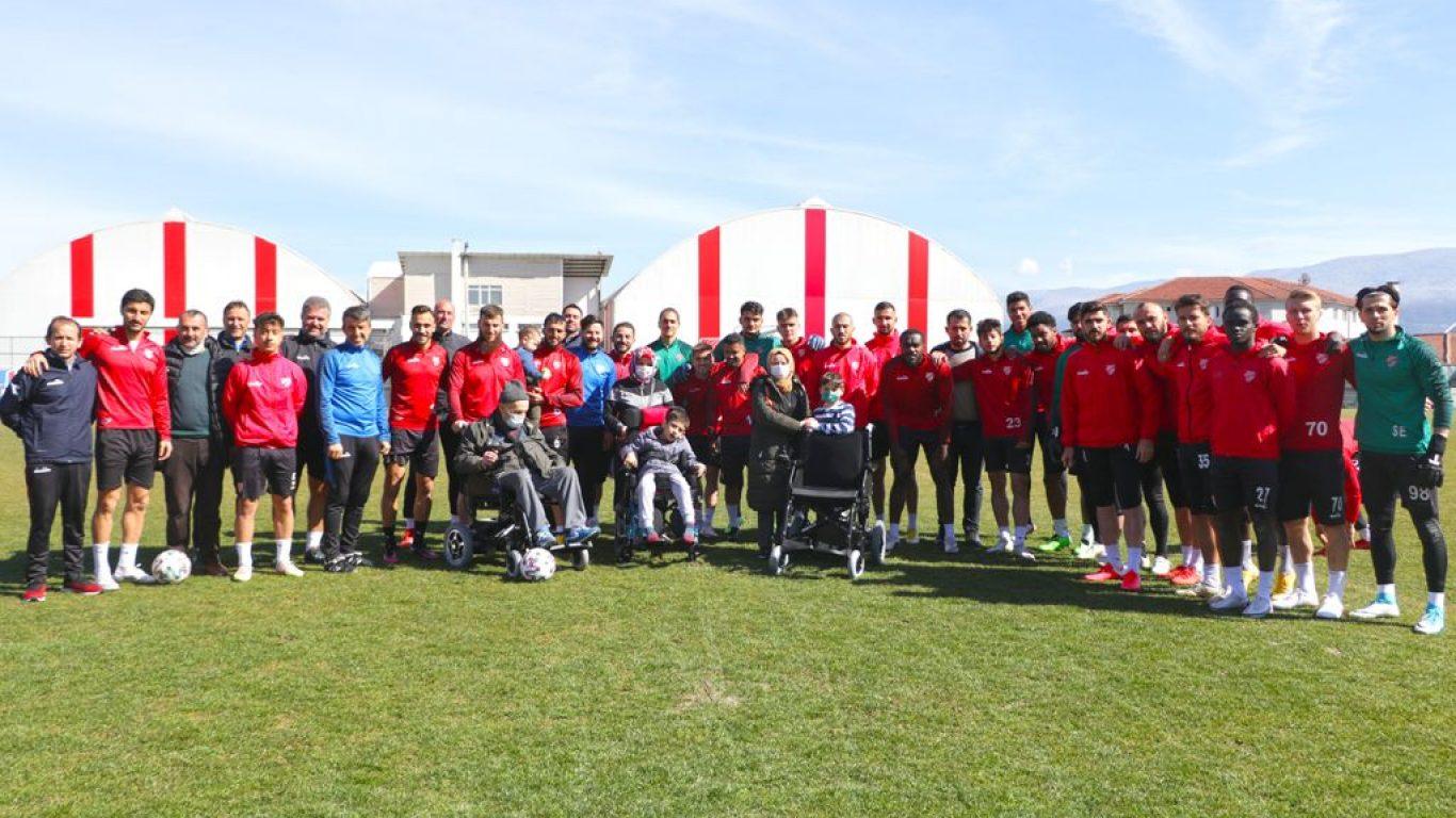 """Boluspor'un başlattığı """"Spor Kulüplerinden İyilik Zinciri"""" hareketi yayılıyor"""