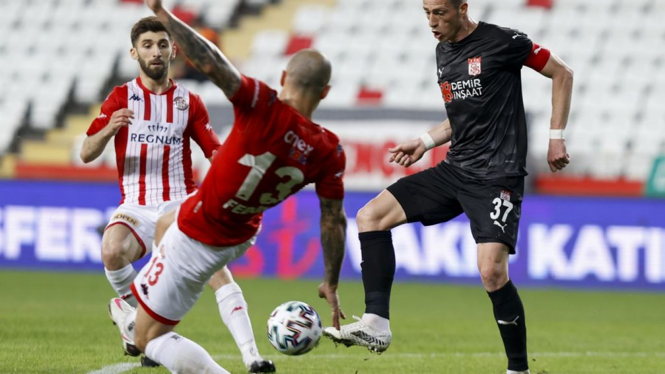 Fraport TAV Antalyaspor-Demir Grup Sivasspor