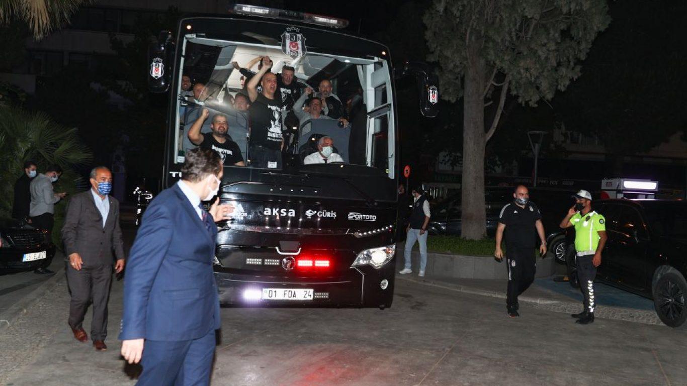 Beşiktaş kafilesi konaklayacağı otele geldi