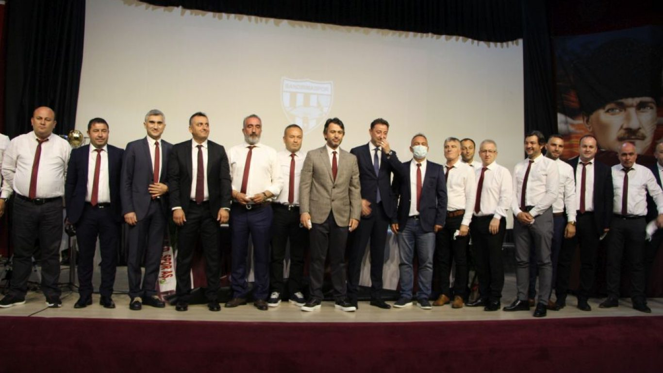Bandırmaspor Kulübü Başkanı Onur Göçmez, genel kurulda güven tazeledi