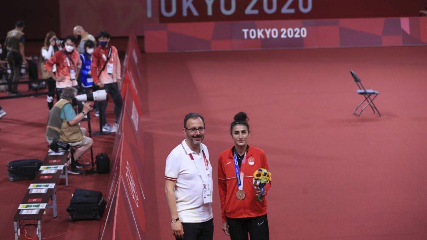 Tokyo 2020'de tekvandoda bronz madalya sevinci
